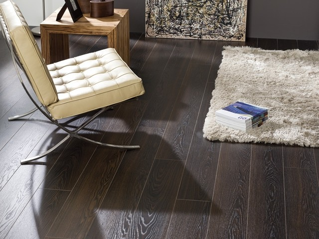Oak and Black laminate flooring for a floor that's everyone's envy